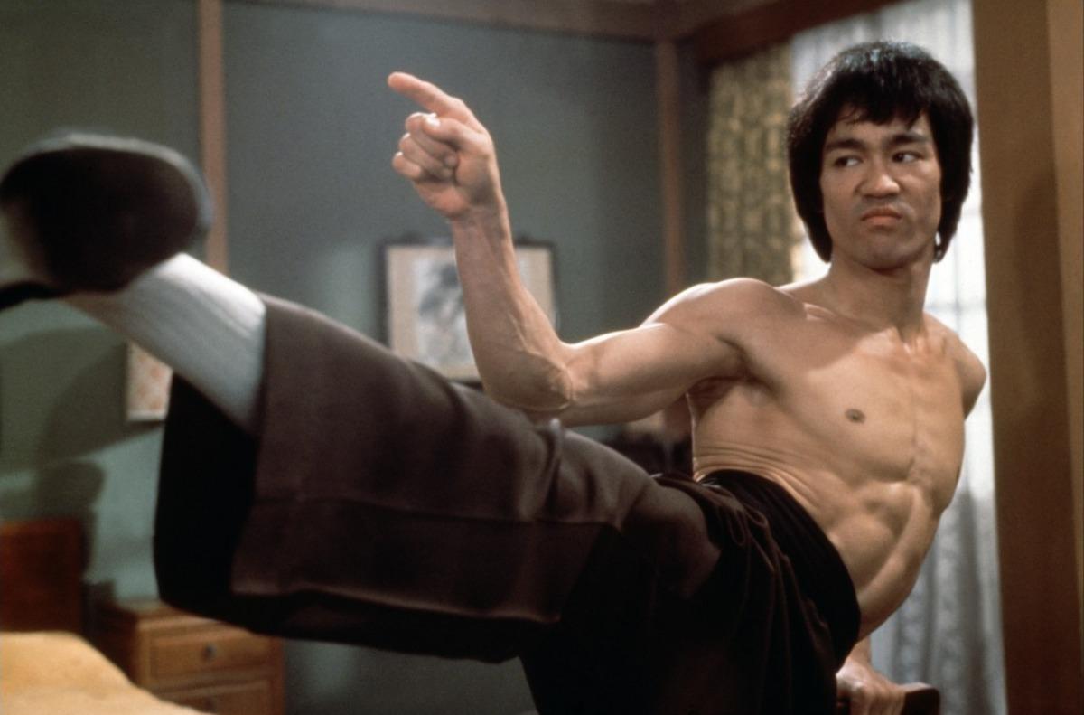 bruce-lee-kick-way-of-the-dragon-1972
