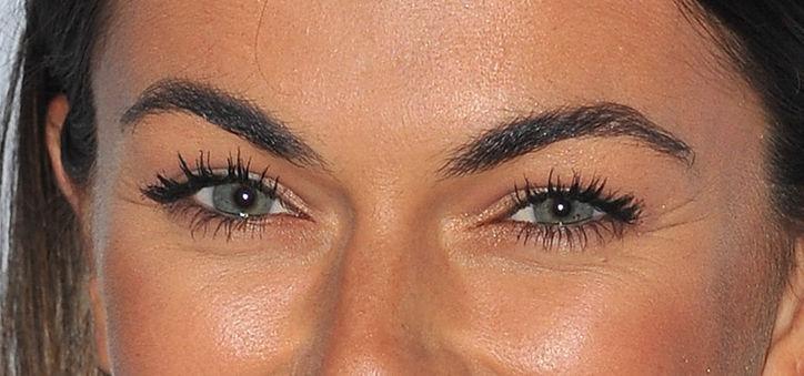 eye-makeup-idea-close-w724